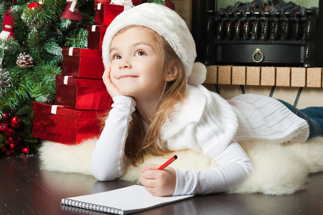 Chi Omega Sorority Hosts Letter Writing Campaign To Santa For Make-A-Wish®