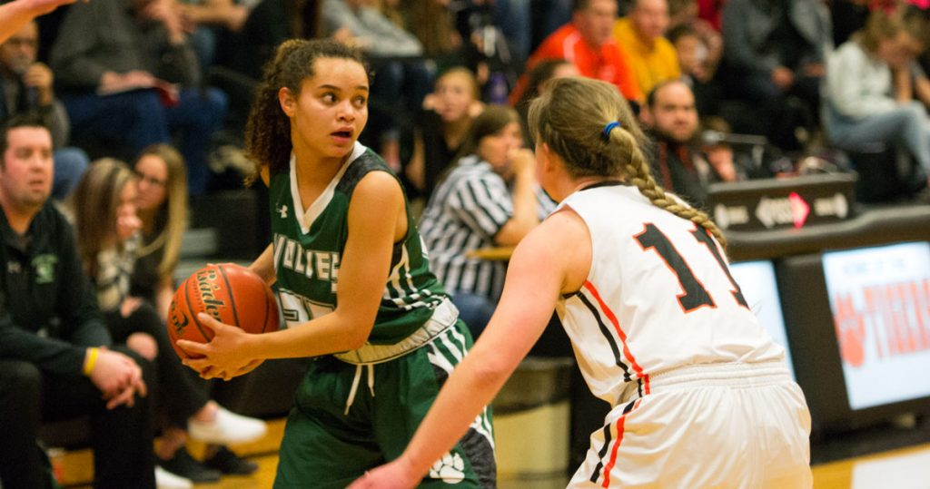 Lady Wolves Fall to No. 3 Kelly Walsh, 59-41