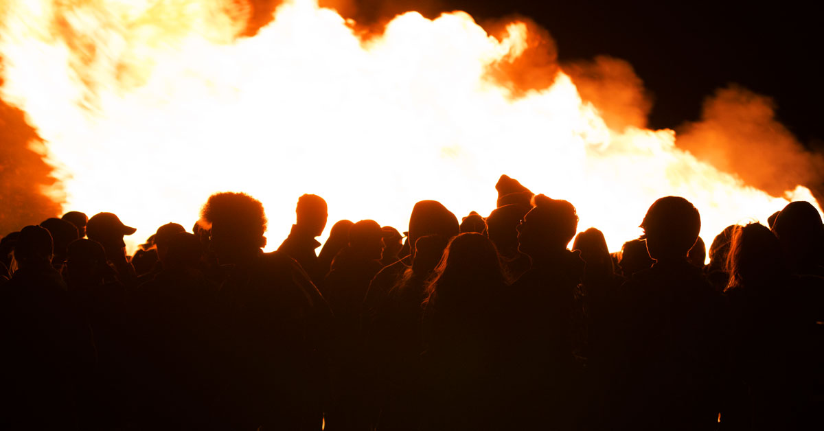 GRHS Hosts Bonfire for Make-A-Wish: Photos