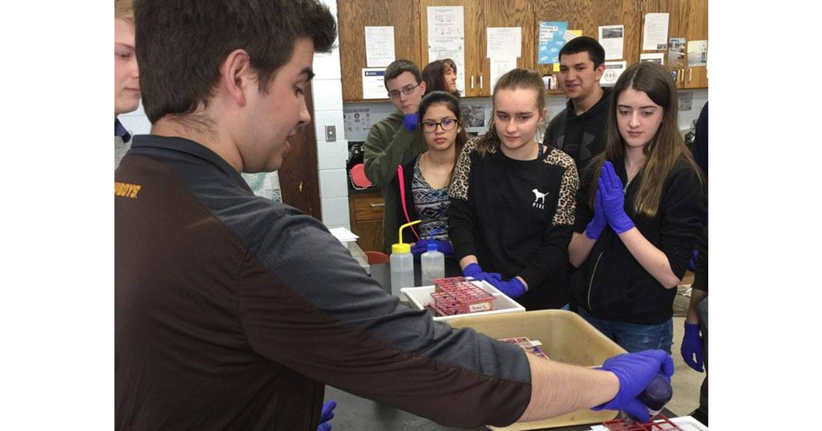 UW LAMP Roadshow Brings Hands-On Experience to RSHS Students