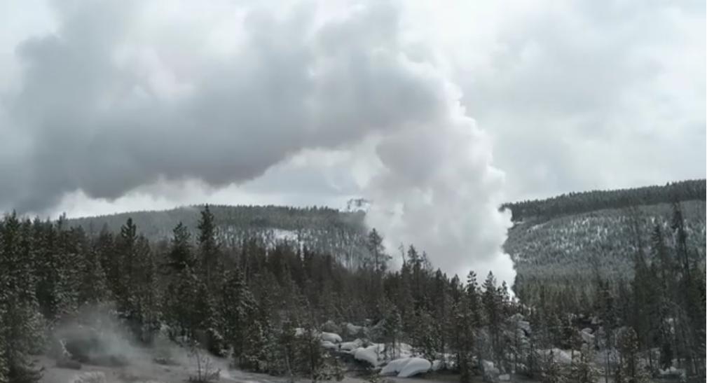 World's Largest Geyser Erupts in Yellowstone National Park [VIDEO]