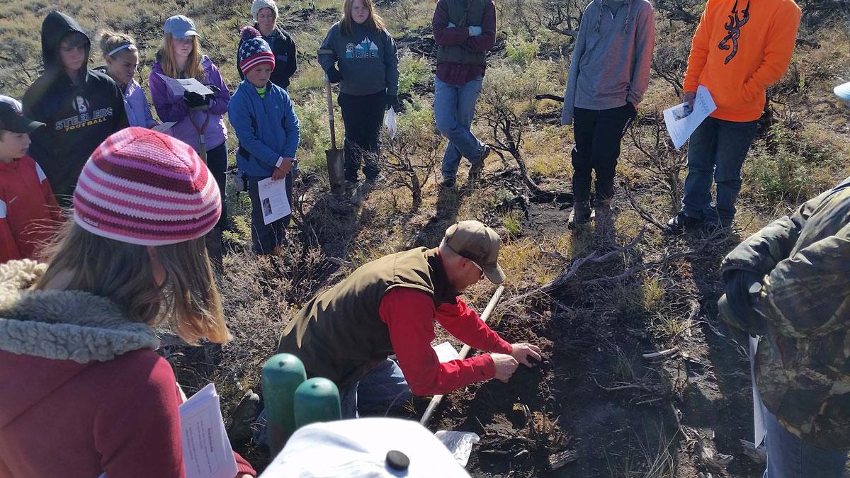 Big Piney Students Helping Mule Deer
