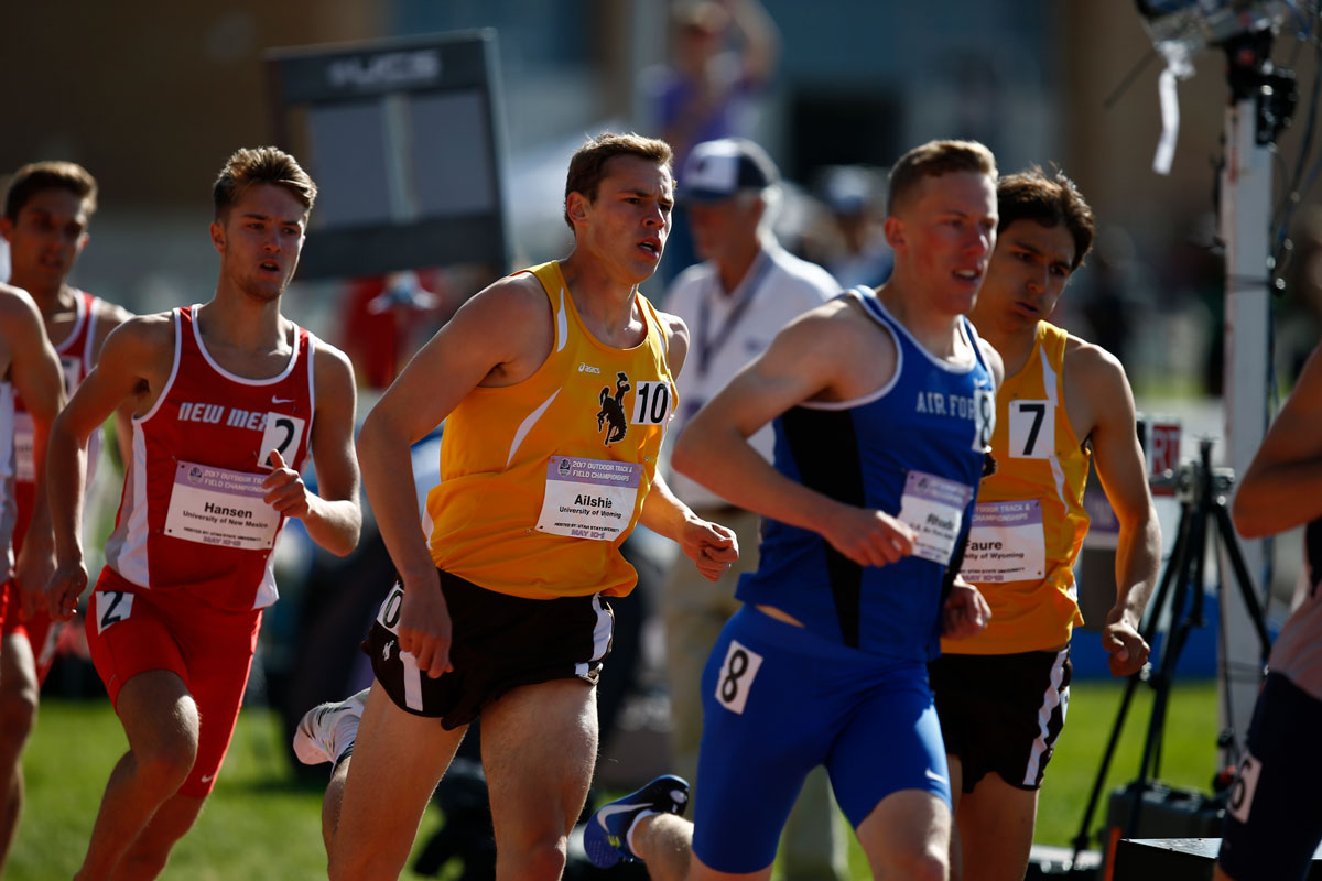 Distance Runners Lead Pokes on Day Two of West Coast Swing