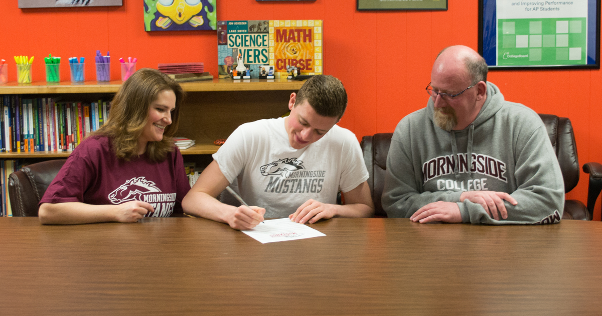 RSHS Swimmer Signs with Morningside College