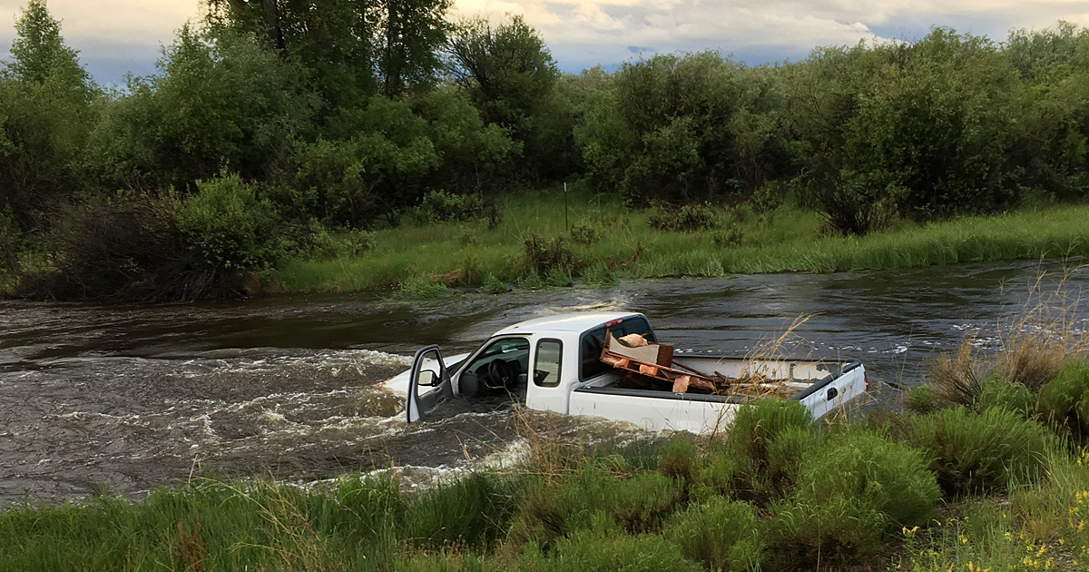 Sublette County Sheriff's Office Investigates Unoccupied Truck in New Fork River Near Pinedale