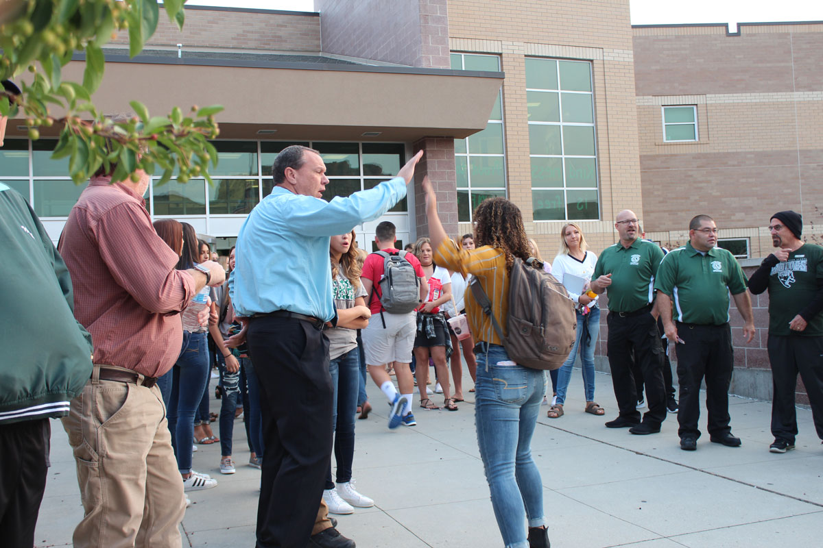 GRHS Students are Welcomed Back to School