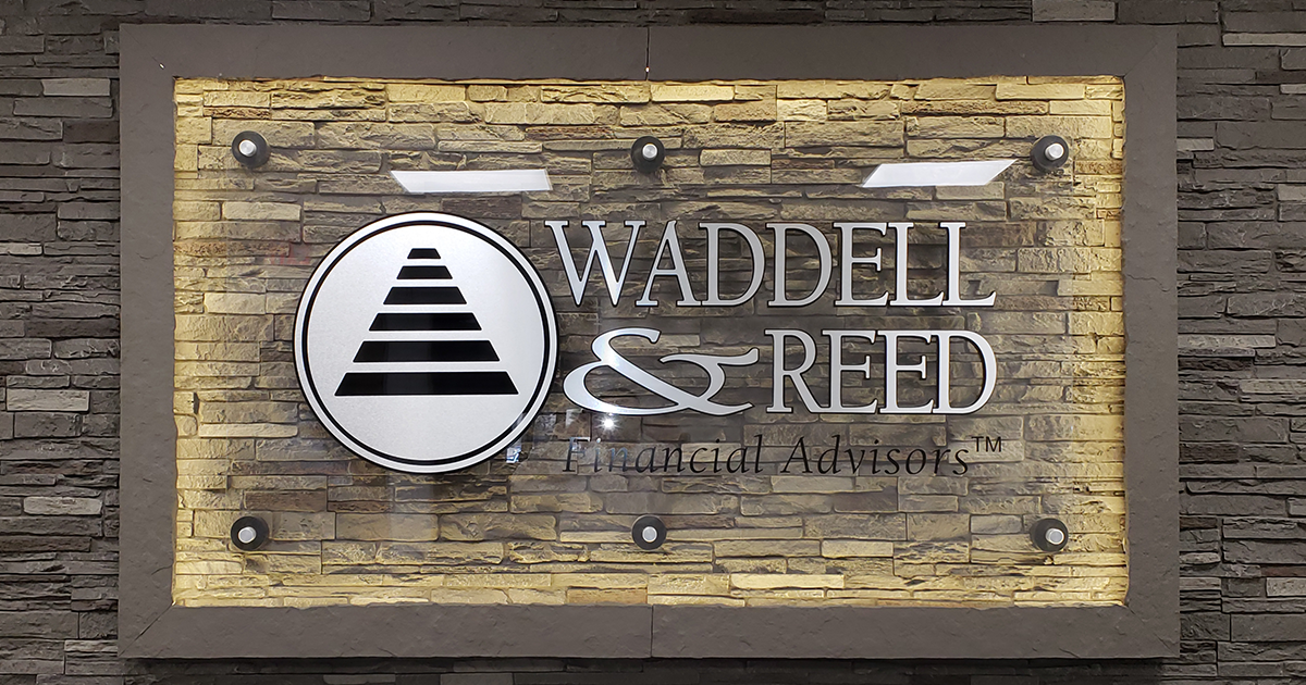 Waddell & Reed Holds New Office Open House & Ribbon Cutting