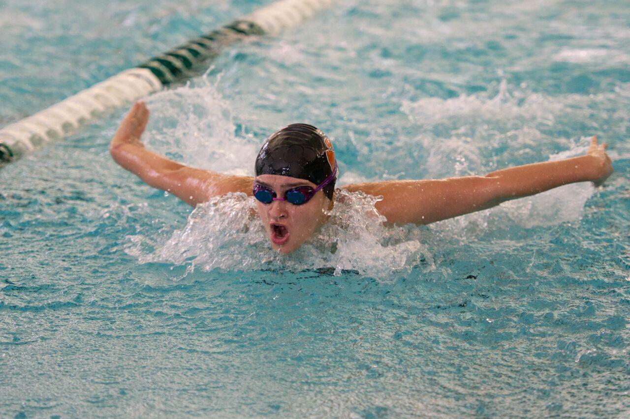 RSHS Wins Dual Swim Meet Against Evanston