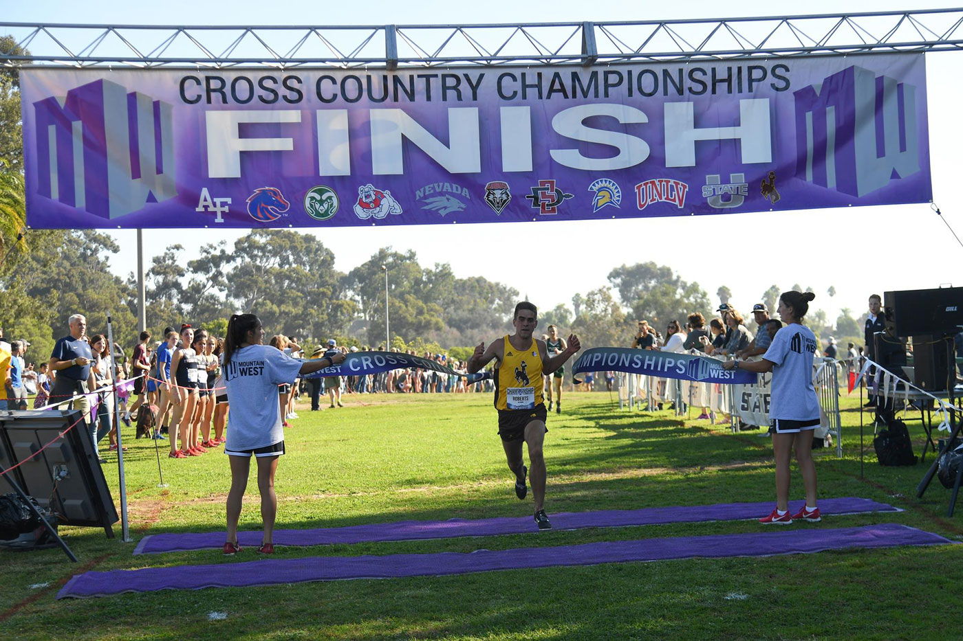 Cowboy Runner Paul Roberts Claims Mountain West Cross Country Title