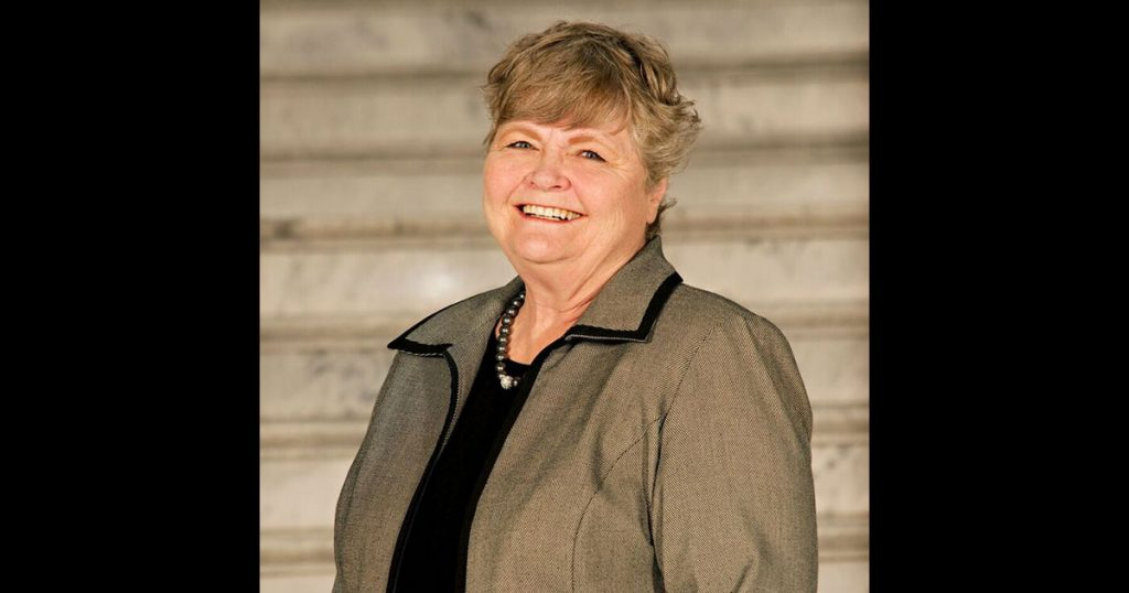 Carole Lee Crawford Hyde (April 11, 1940 – November 7, 2018)