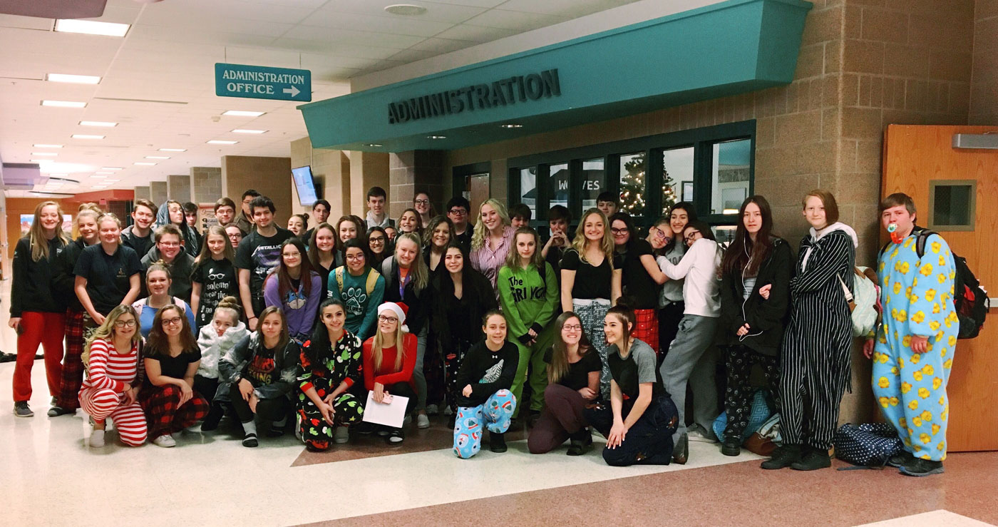 GRHS Student Council Collects Donations for YWCA of Sweetwater County