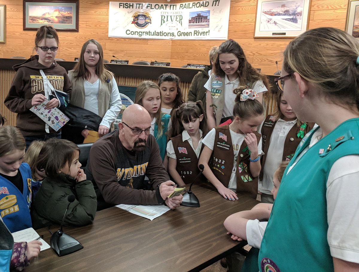 Mayor Rust Gets a Visit from the Girl Scouts