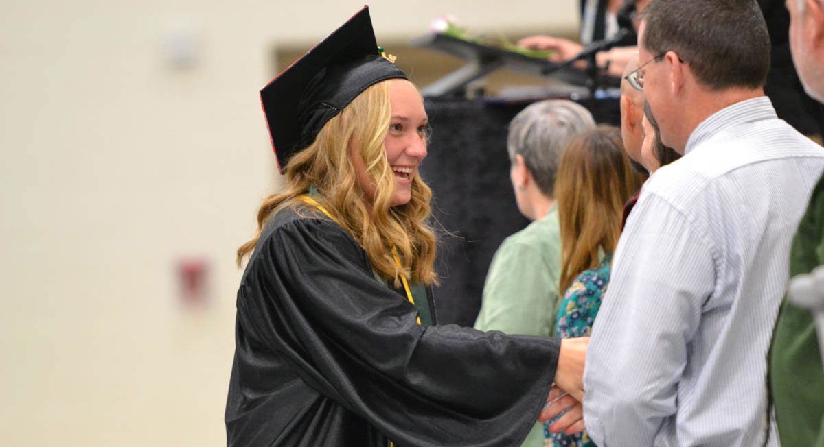 Farson-Eden High School Graduates 17 Seniors