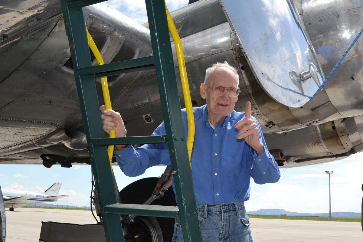 World War II Veteran Recalls Time Serving on a B-17 Bomber