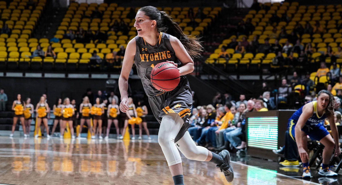 Marta Gomez to Begin Professional Basketball Career in Italy