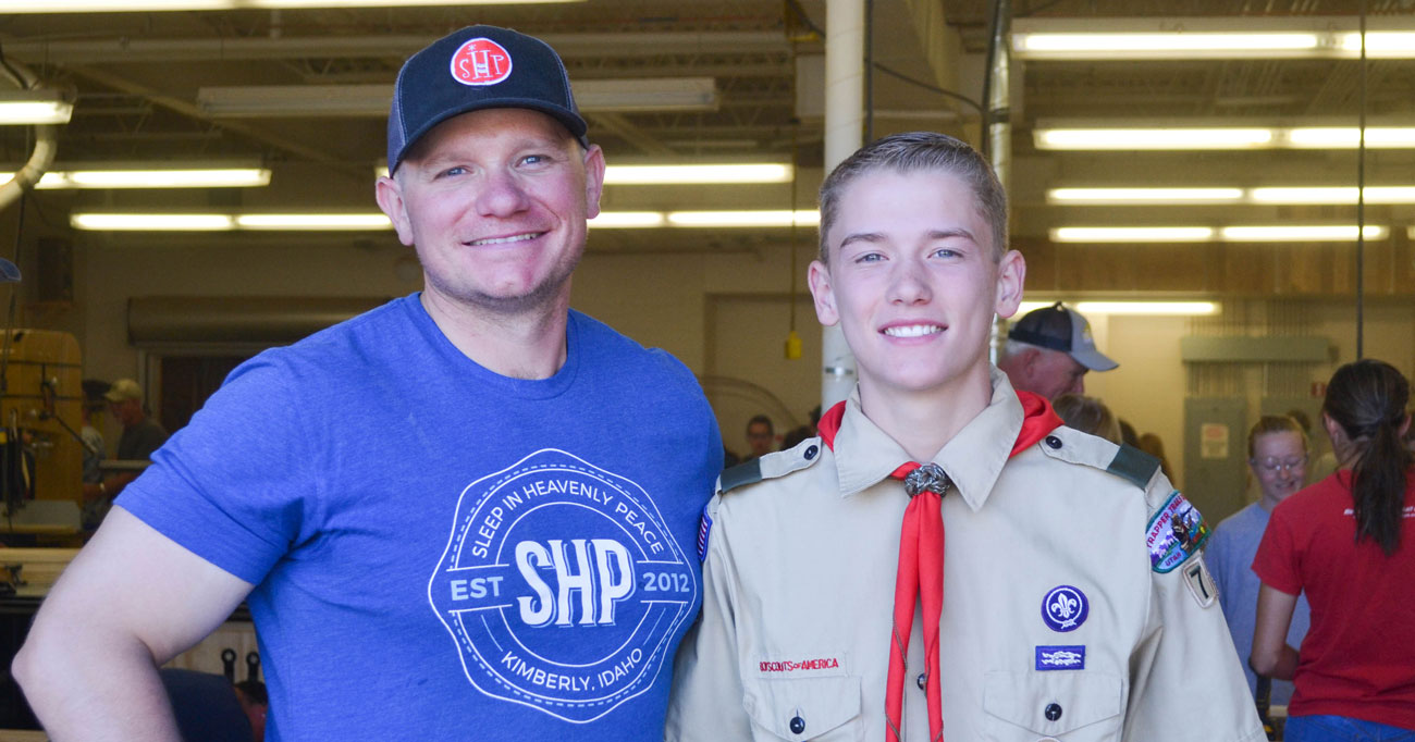 Eagle Scout Builds Beds for Children in Need