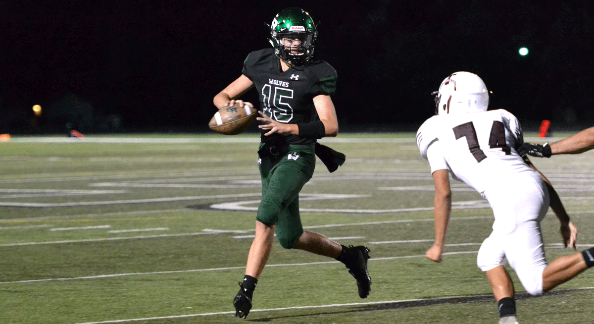 Wolves Earn First Win of the Season on Homecoming Night
