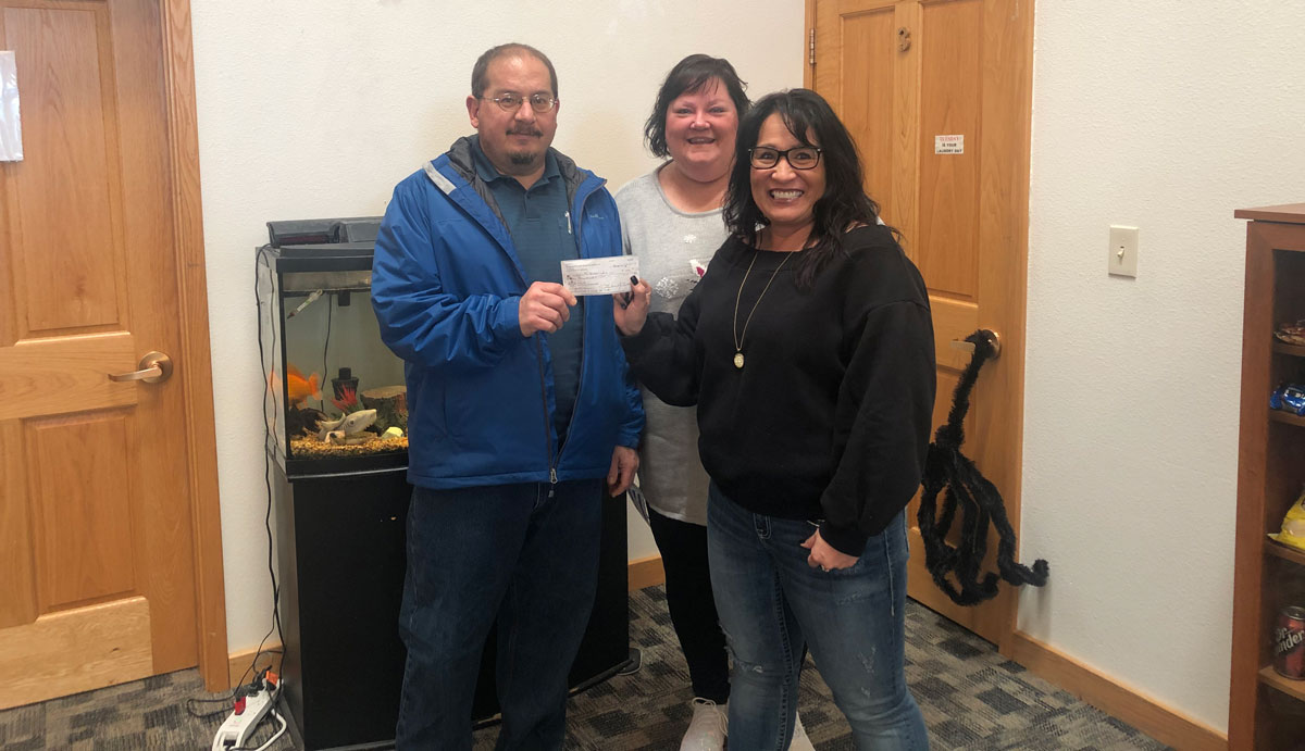 Woman's Club of Rock Springs Makes Donation to Local Youth Home