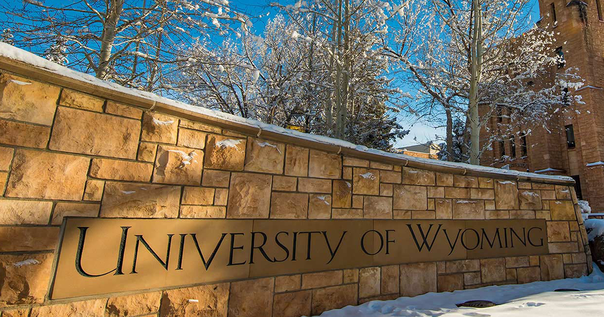 UW Presidential Search Committee to Review Applications