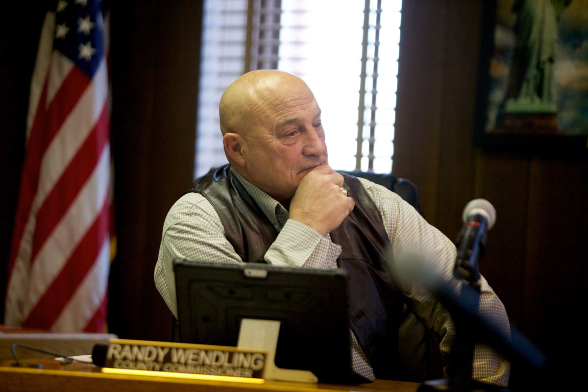Wendling Takes Over as County Commission Chairman