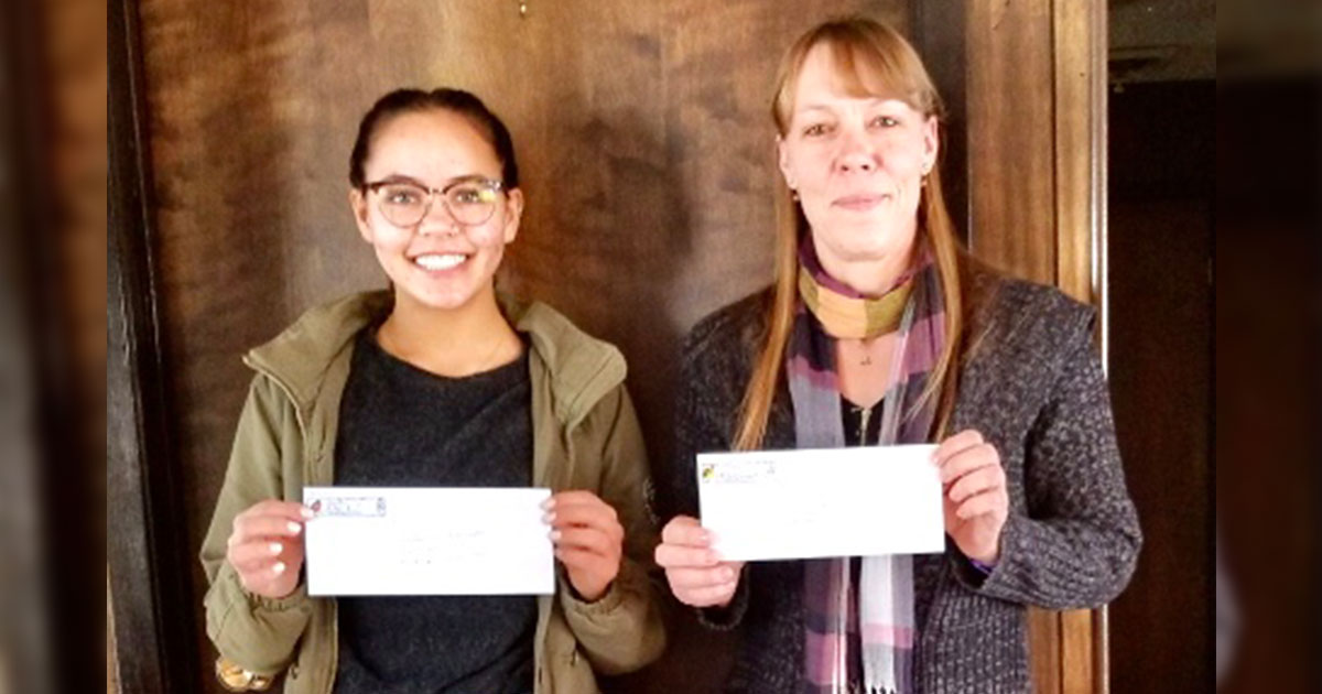 Woman's Club Gives Grants to Four WWCC Students