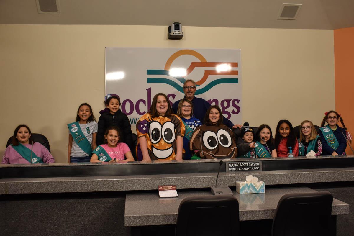 Girl Scouts Sell Cookies to Mayor Kaumo