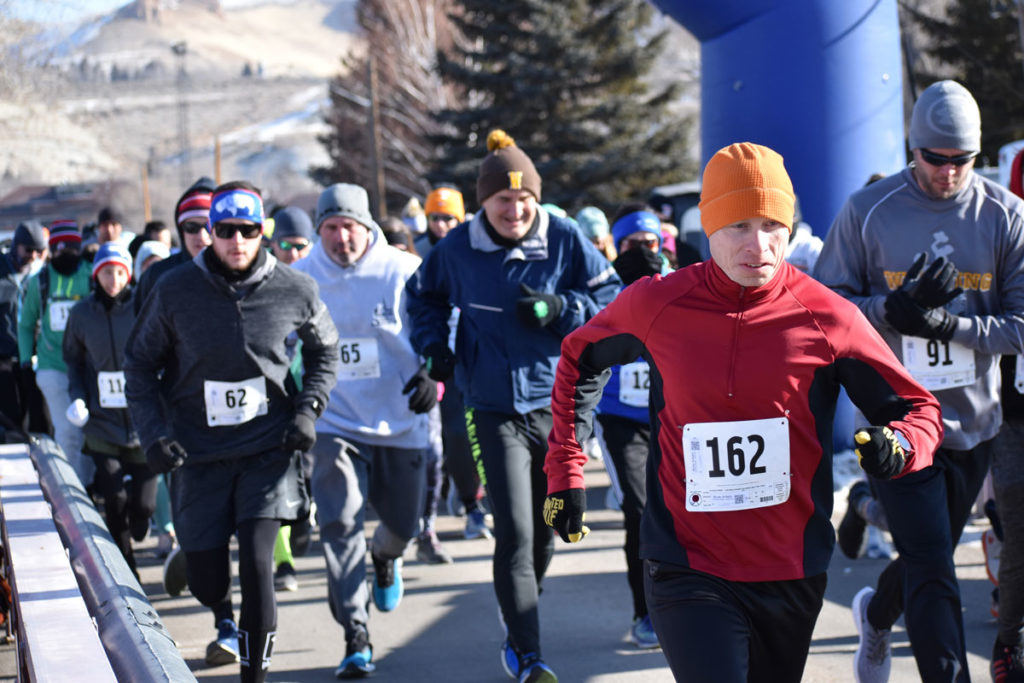 Runners Beat the Cold at the Frostbite