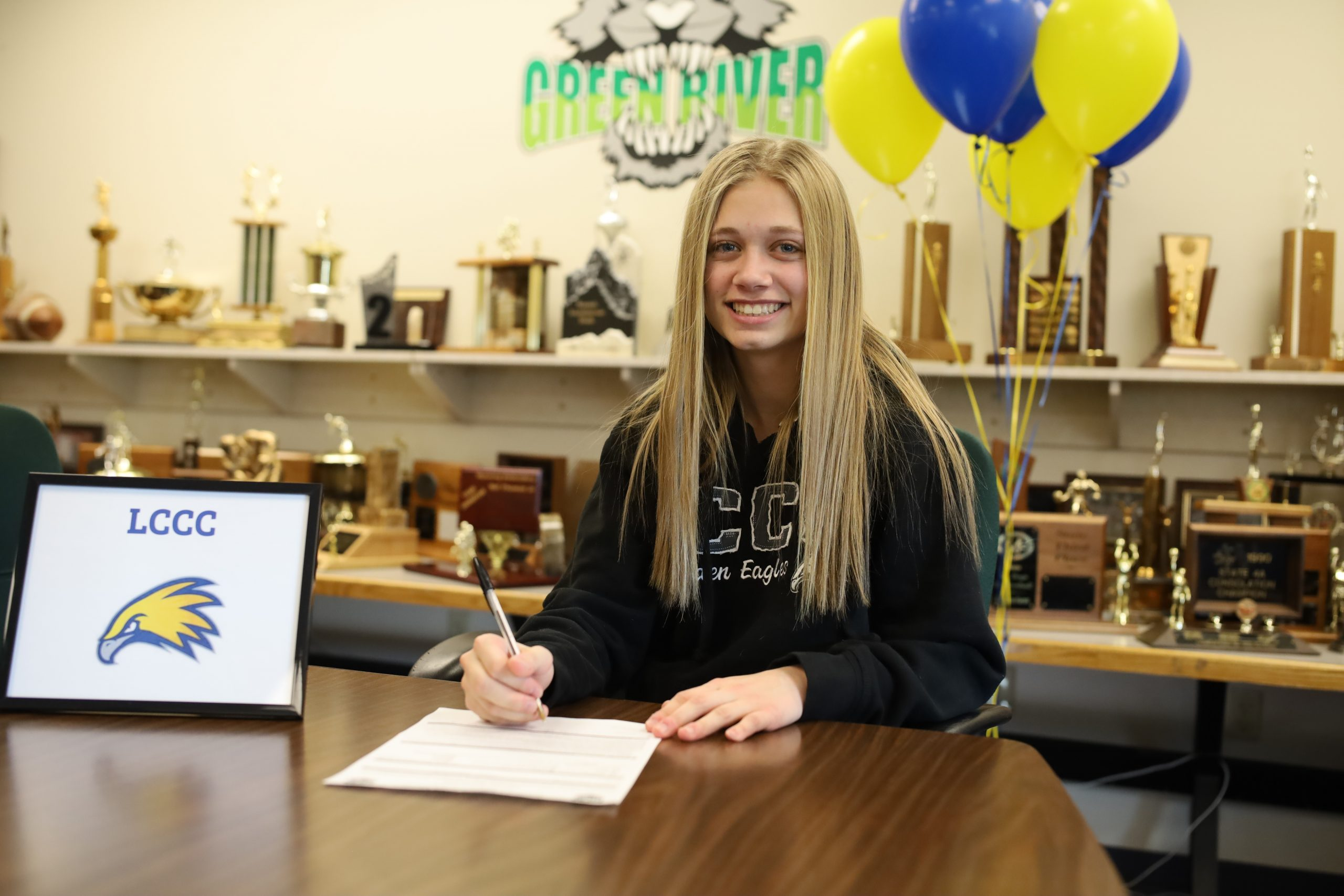 Kettering Commits to Golden Eagles Soccer