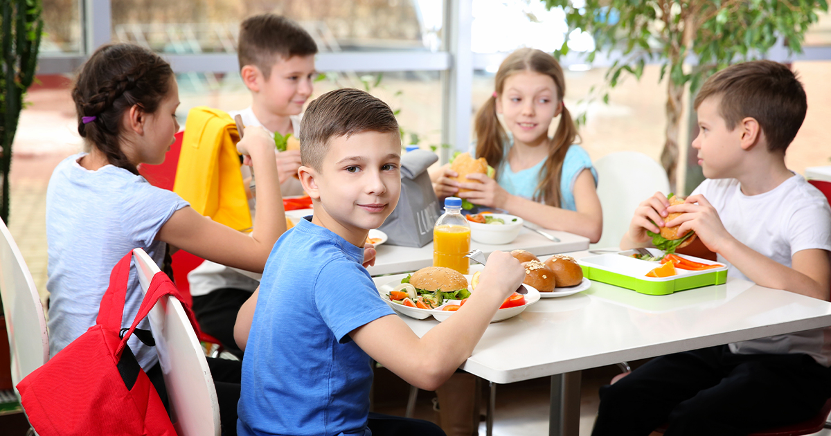 A Bill Would Allow School Districts to Distribute Excess Food