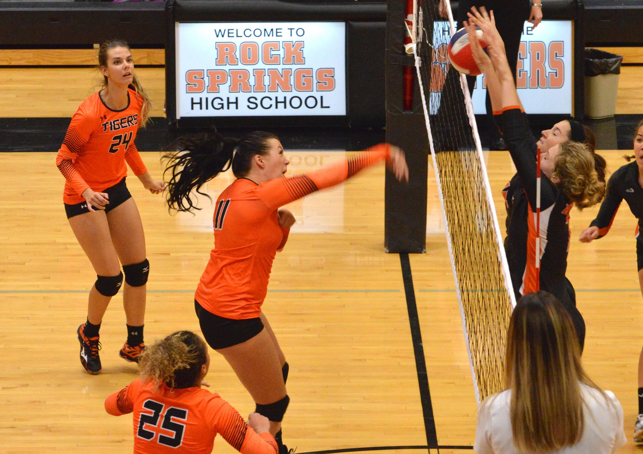 Lady Tigers Start Busy Week With Win