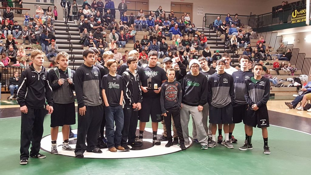 Wolves Finish Second at Thoman Soda Ash Invite