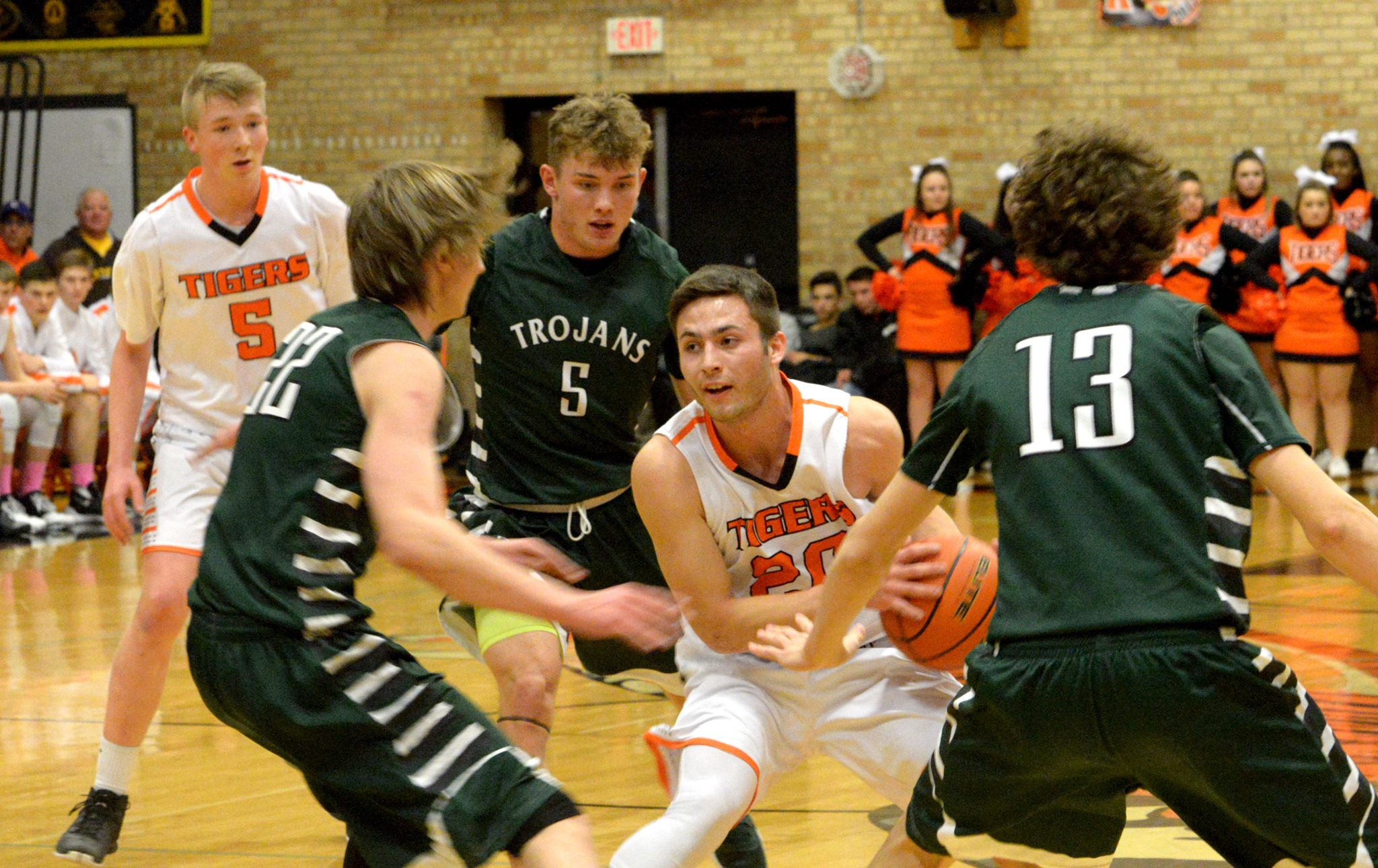 High School Boy's Basketball Standings and Weekend Scores