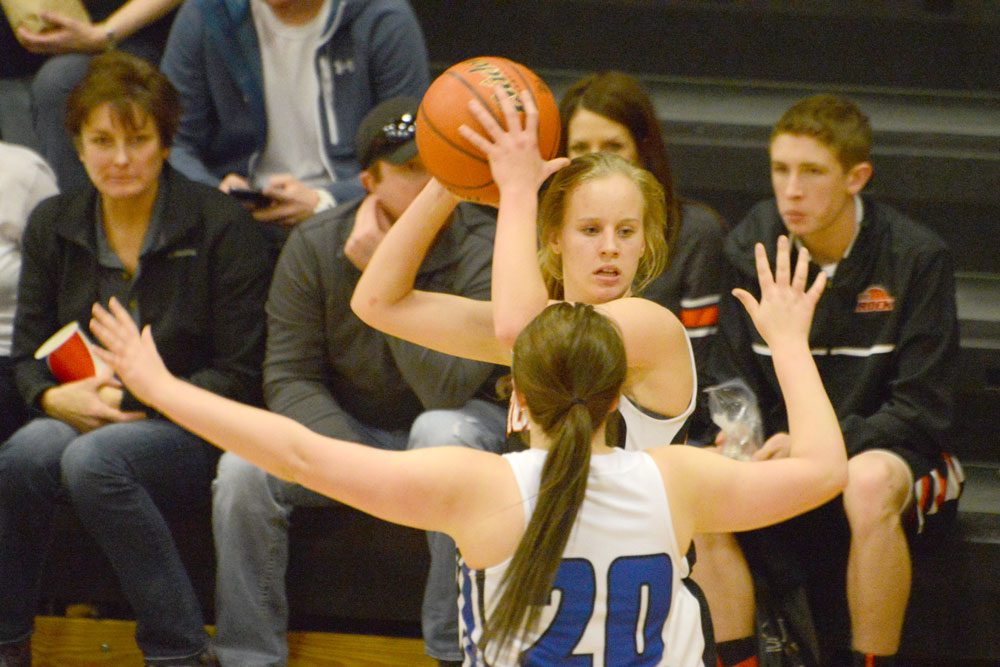 Lady Tigers Finish Perfect in Riverton