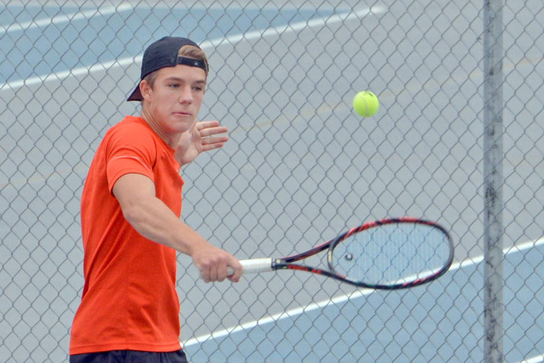 RSHS Tennis Drops Two as They Prepare for Conference Opener