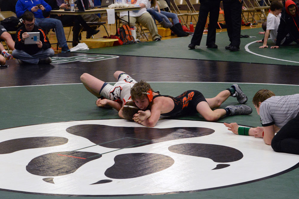 Rock Springs and Green River Thoman Memorial Friday Results; Wolves open Thoman Memorial 4-0 as wrestling resumes at 9 a.m. Saturday