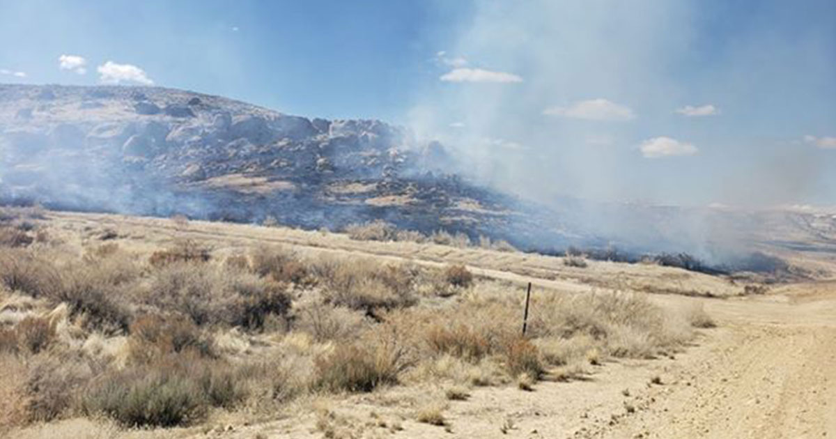 Sweewater County Fire District #1, BLM Respond to Fire South of Rock Springs