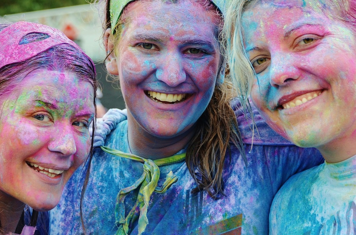 The Week Ahead: Color Run, Knitting for Tweens and Ye Olde Medieval Faire