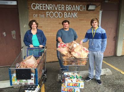 Green River City Employees Participate in Food Drive