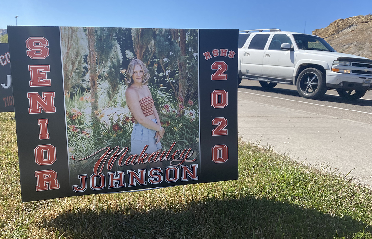 Signs Celebrate Senior Recognition to Kick Off 2020 Graduation