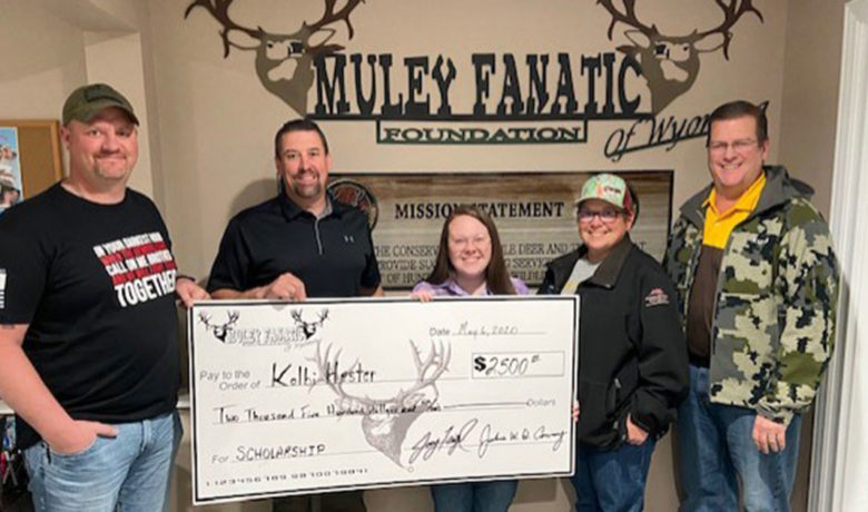 Muley Fanatic Foundation Awards Inaugural Conservation Scholarship to Green River Senior