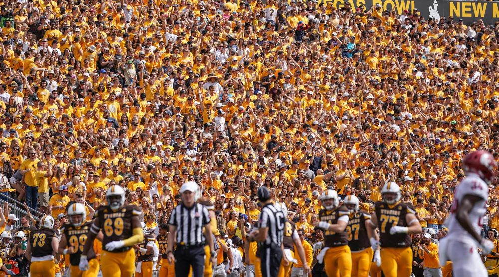 Mountain West Finalizes Decision: UW Football to Play 10 Games