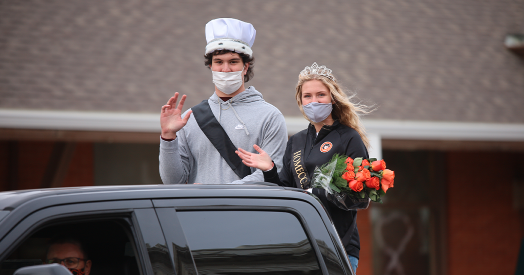 PHOTOS: RSHS Shows School Spirit in Homecoming Parade