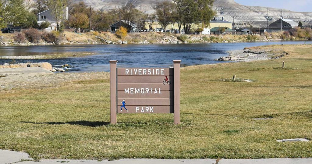 Green River to Refortify Riverbank at Riverside Memorial Park