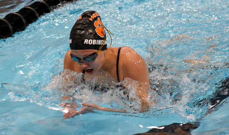 Robinson-Kim Wins State Title; Lady Tigers Finish Top Five at State Meet