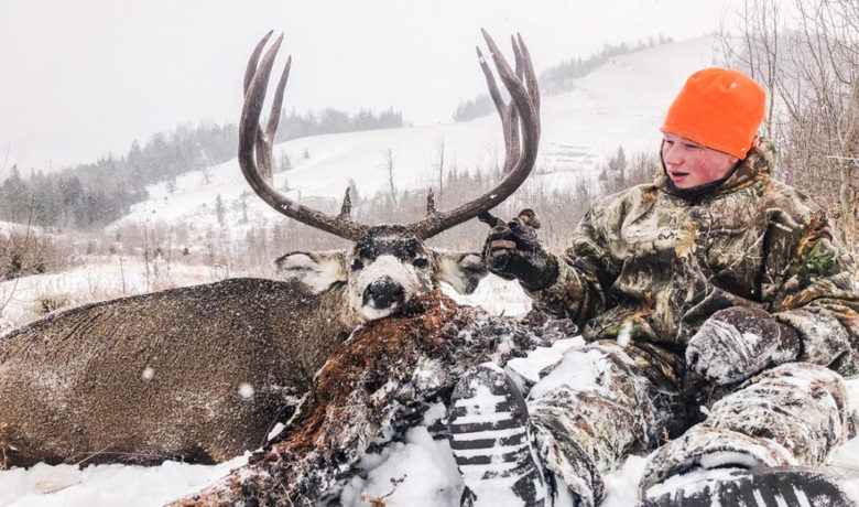 Muley Fanatics Host 18 Hunts this Year for Youth with Life-Threatening Illness