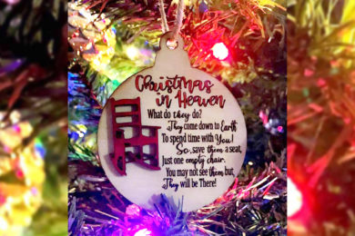 Remember Your Loved Ones With a Free Holiday Ornament from Vase Funeral Home