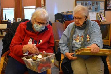 Woman's Club Returns to Longtime Tradition of Decorating Trees