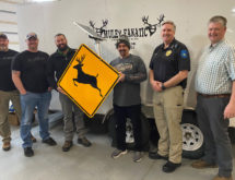 Muley Fanatics Donates Deer Crossing Signs to Green River